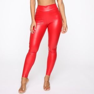 Party in the Back Ruched Leggings- Red L